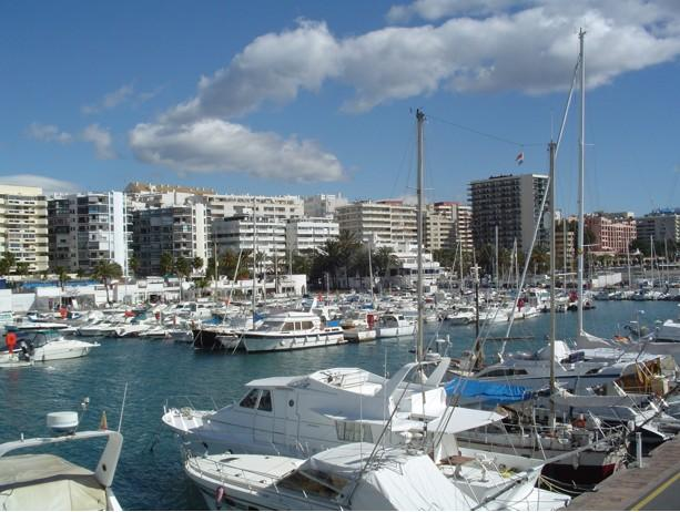 Buy a house in Marbella (Málaga)
